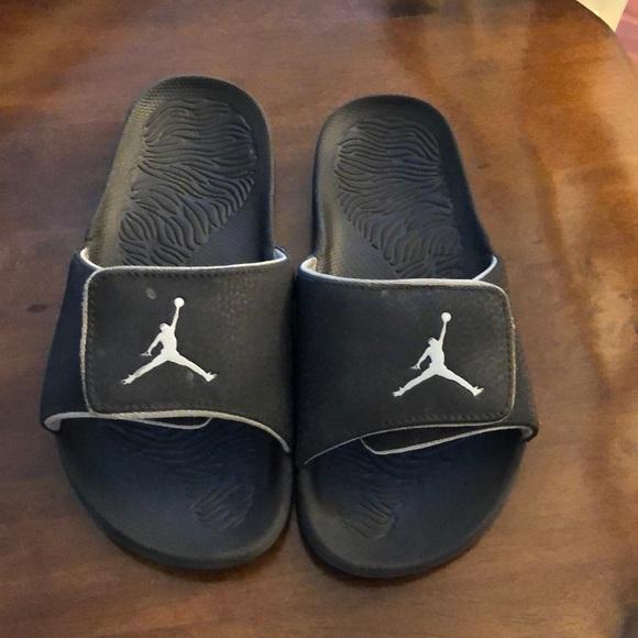 b85690843cc6d1 Kids Jordan slides. M 5b0c4d12daa8f6559a1ecaa2